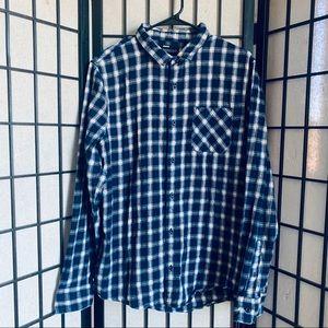 Public opinion blue plaid flannel button up XL